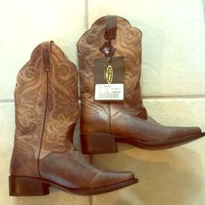 Cowboy boots NWT ! Genuine leather